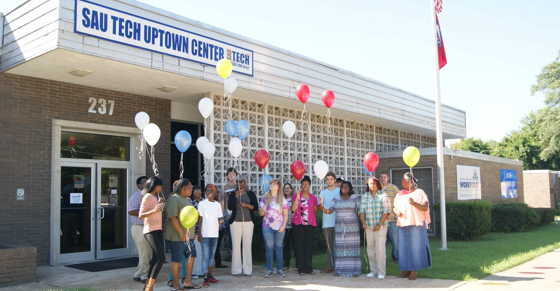 photo of students with balloons